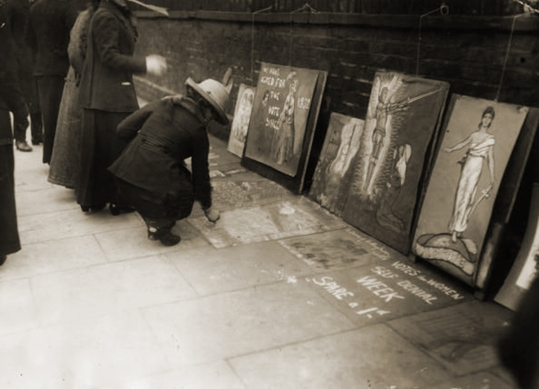 Suffragette pavement artists 7th March 1913