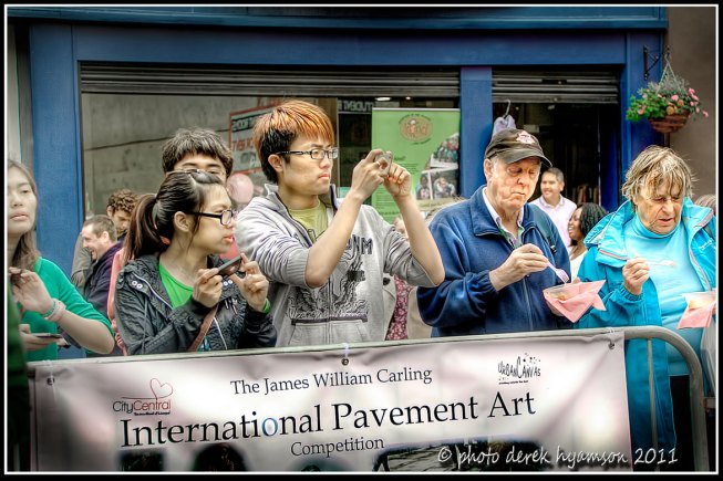 Crowds gathering on BOLD STREET, Liverpool for The James Carling Competition 2011