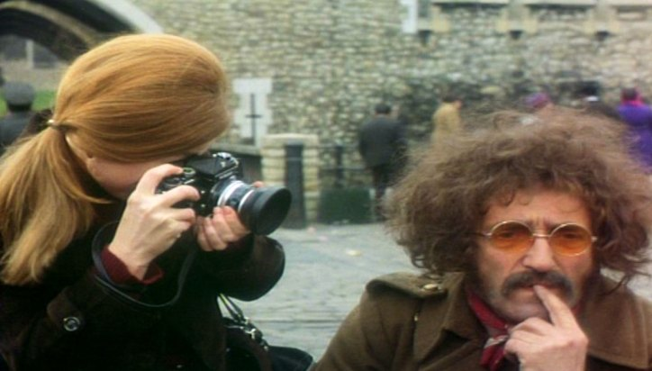 Photographer, Shirley Logan (MacLaine) with Mathew Quck (Moody) 1972