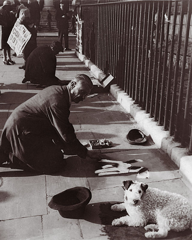 Albert Harris and his dog, Trafalger Square, London: Photo George Lewis (8th July 1930)