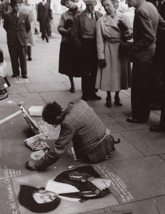 Harlice Worsley in Trafalgar Square: Original press photo (Keystone Press 1955)