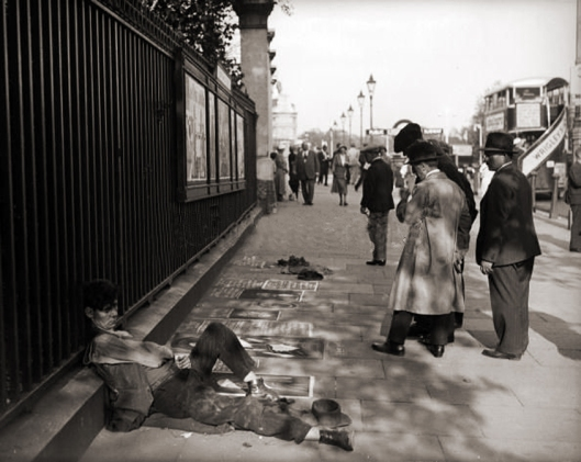 Sleeping artist, outside the National Gallery, London 1935.