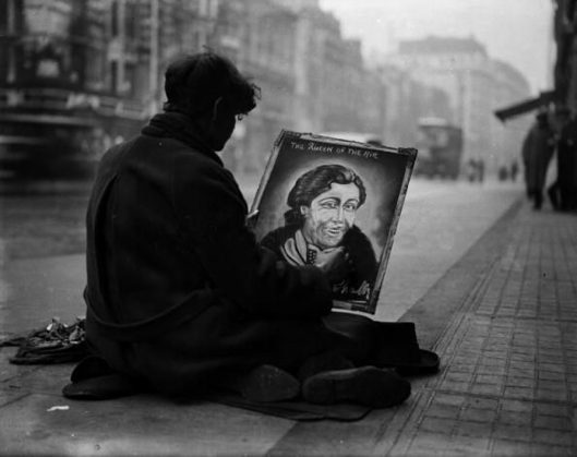 London Street-artist near Charing Cross Station. 1932
